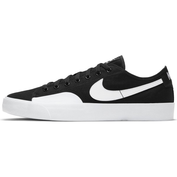 Nike SB Blazer Court Black/White 01